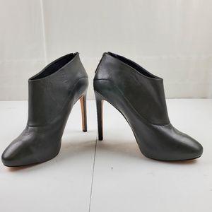 Nine West leather zip back Navajoe shoe boots 8.5M